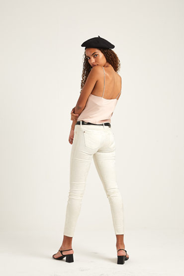The Skinny White Jeans – 7 For All Mankind thumbnail