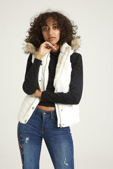 Solid Faux Fur Hooded Puffer Vest In White – Aeropostale thumbnail