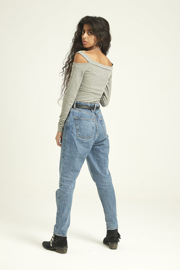 Long Sleeve Off-The-Shoulder Cutout Bodycon Top In Grey – Aeropostale thumbnail