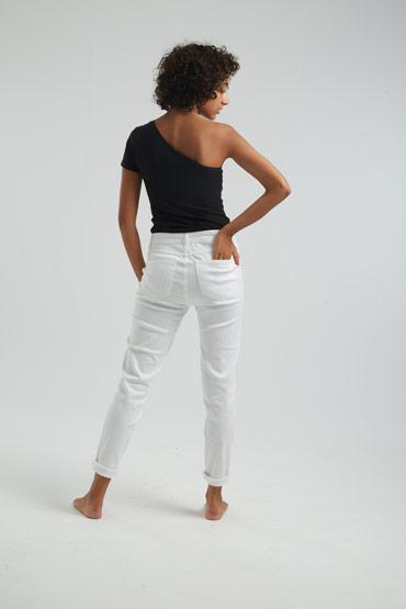 A Classic Cut Jeans thumbnail